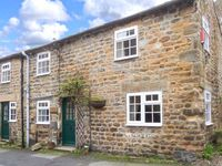 STABLE COTTAGE , pet friendly, with open fire in Masham, Ref 903974