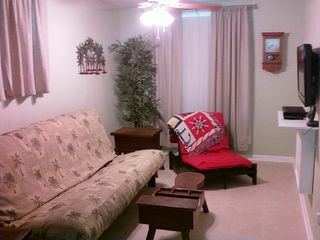 New Smyrna Beach cottage photo - Third bedroom TV room with HDTV.