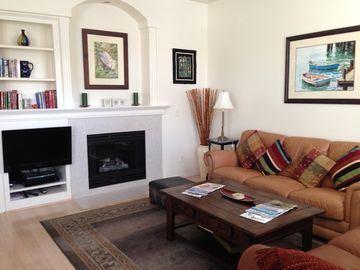 San Luis Obispo condo rental - Living room with gas fireplace