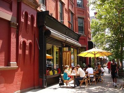 Brooklyn townhome rental - Our local bars/cafés/restaurants are known to have some of the best food in NYC