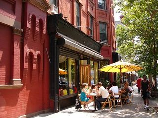 Brooklyn townhome photo - Our local bars/cafés/restaurants are known to have some of the best food in NYC