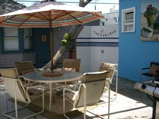 Venice Beach house photo - Courtyard with outdoor shower (hot & cold)