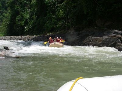 River rafting on the Savegre River