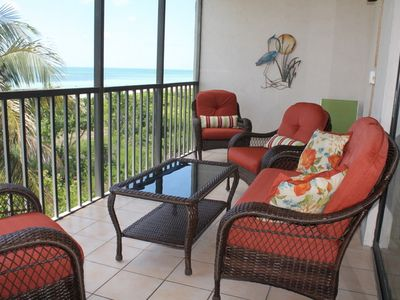 Beachfront!!!  The view does not get any better!  Screened Lanai