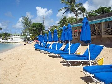 Private Beach Club @ Mullins - Included w/ Stay