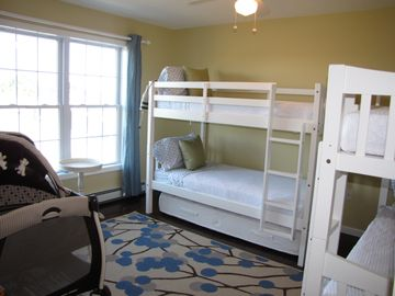 Two sets of bunk beds--Family Friendly House