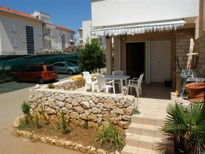 Nice apartment for six persons in Novalja