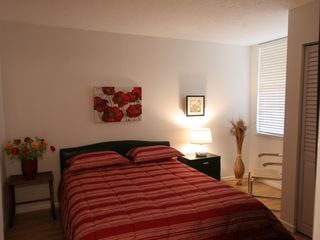 Delray Beach apartment photo - Bedroom with Queen size pillow top mattress.