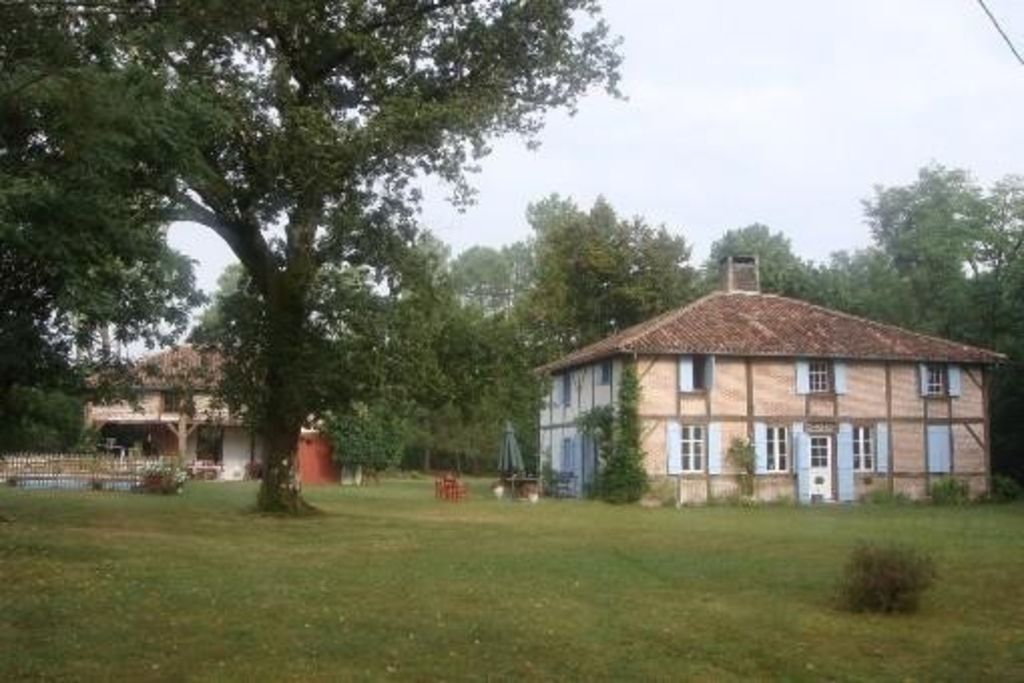 Charming family house 20 people
