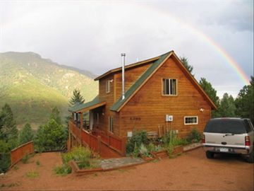 Colorado Springs house rental - Amazing rainbows are not too rare up here!