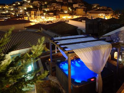 Deluxe Suites With Spa Facilities (jacuzzi,sauna,gym)