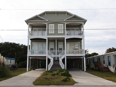 Ocean view 4 bedroom Duplex in the center of Pleasure Island