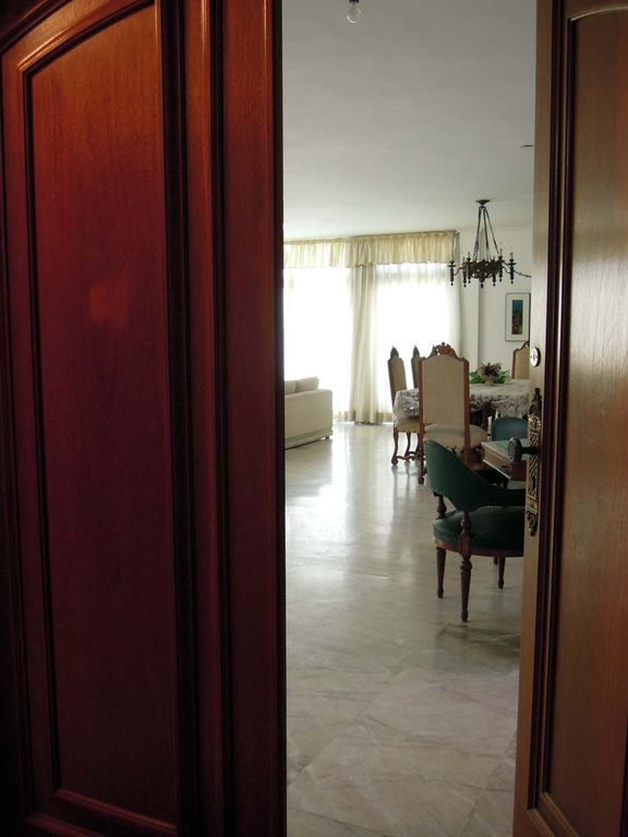 SPECTACULAR PENTHOUSE - 4 SUITES - LARGE LIVING ROOM POOL EXCLUSIVE P / COVERAGE -