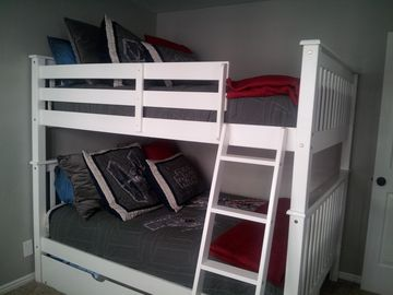 3rd Bedroom-Star Wars. 2 Full Sized Bunk Beds + Twin trundle