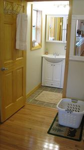 Willow house rental - LAUNDRY ROOM/BATHROOM
