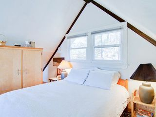 Elkton cabin photo - Loft bedroom with firm queen bed. Fresh clean linens provided.