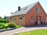 ORBAYU, pet friendly, with a garden in St Ishmaels, Ref 7629