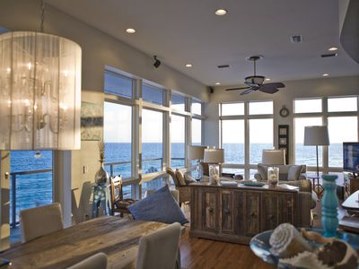 Inlet Beach house rental - Looking West from Dining room. 12' ceilings. floor to ceiling windows.