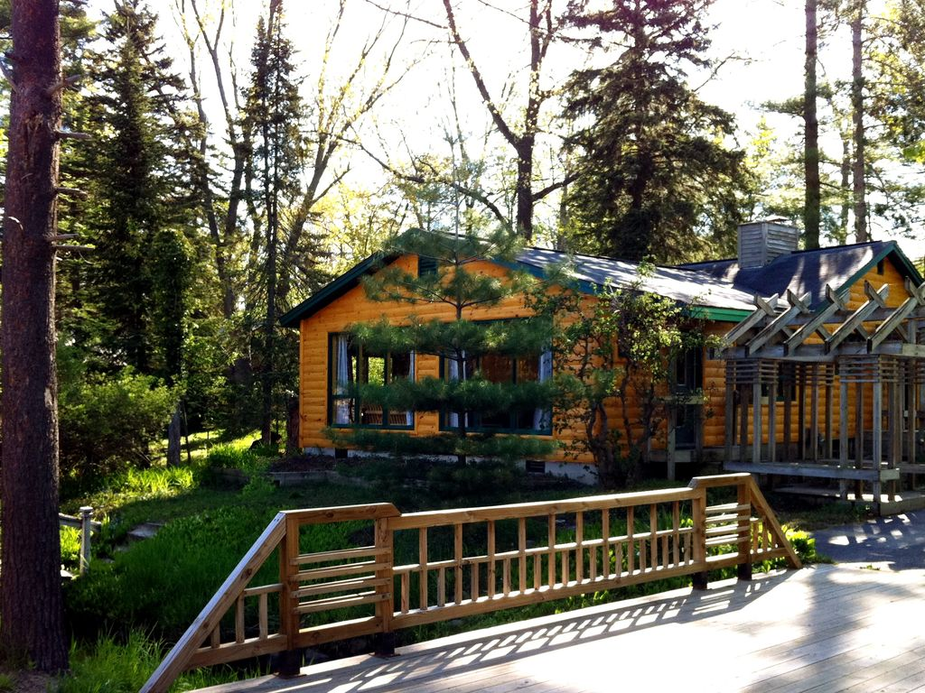 creekside log cabin just steps to state homeaway