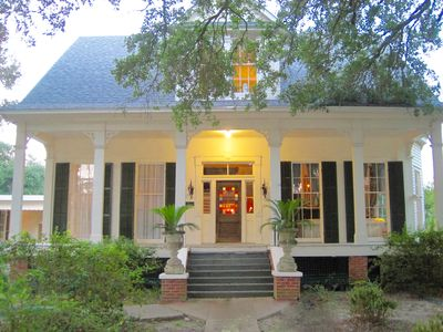 Victorian Manor in the Heart of Cajun Country.  20 min North of Lafayette