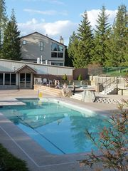 Columbia Falls condo photo - Pool/hot tub & workout center optional. Daily or weekly pass purchase available