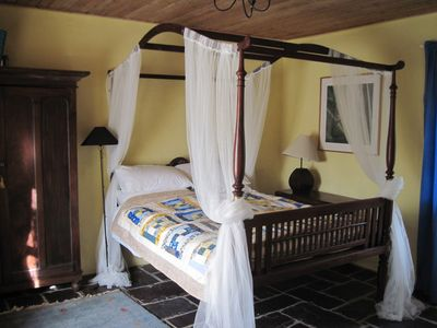 River Cottage's Four Poster Bed in main bedroom