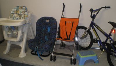 Kiddy Pack Available - free plus two cots one wood and one travel.