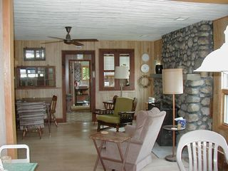 Frankfort cottage photo - Great Room with Dining Table