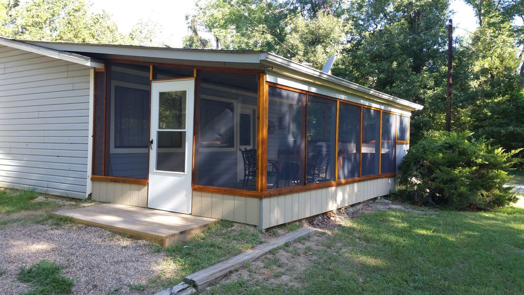 Fishing duck hunting cabin private boat vrbo for Fishing cabins for rent in texas