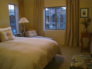 Las Cruces condo photo - Simple elegant bedroom. New queen euro pillow-top