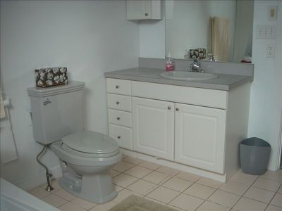 Bathroom with 6' Whirlpool Tub