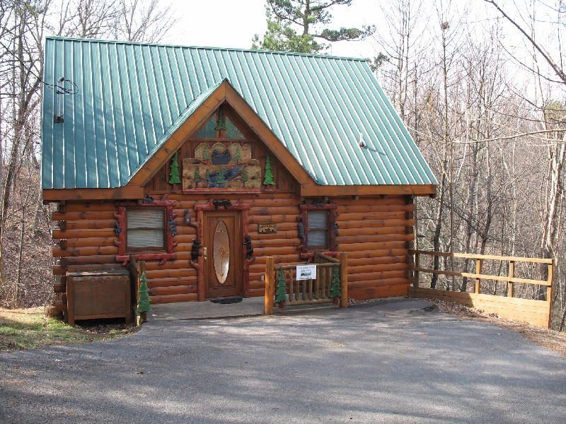 Bearadise book your getaway today 7th vrbo for One room log cabin for sale