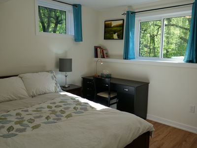 Fresh 2 Bedroom Private Suite In Charming Dundas near Niagara Falls and Toronto