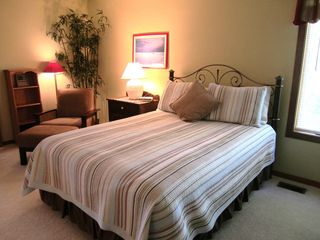 Large Bedroom with Queen Bed - Saugatuck / Douglas townhome vacation rental photo