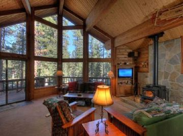Tahoe Donner house rental - Living room with Double sleefer sofa and flat screen TV/DVD!