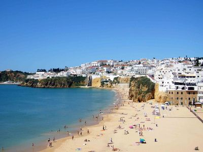 3 Bedroom Apartment in Old Town Albufeira close to Fisherman's Beach, Free Wi-Fi