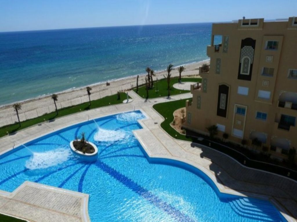 Apartment sea upfront private beach FOLLA Resort