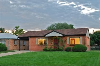 Little Brick Highlands Home! Quiet and Close to Everything!