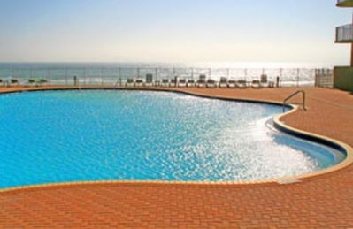 2 Beautiful Ocean Front 4200 SF Lagoon Pools