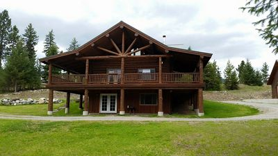 The Natural Beauty Of The Great Outdoors With Great Cabin Amenities!