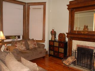 Eckington townhome photo - Living room, working fireplace!