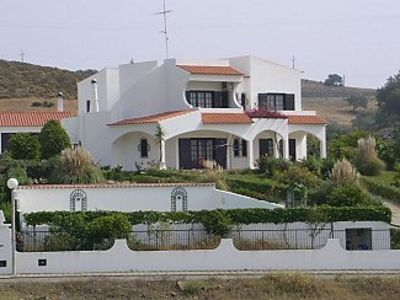 luxury villa with secluded private heated pool,aircon, WiFi and large games room