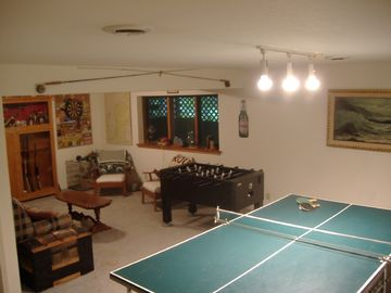 Recreation Room w/ hide-away bed / Fooseball / Darts / Ping Pong