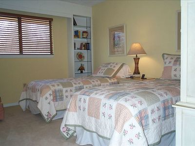 3rd Bedroom with twin beds and shared jack & jill bath
