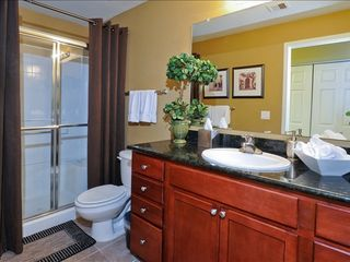 Kierland Scottsdale condo photo - Guest bathroom