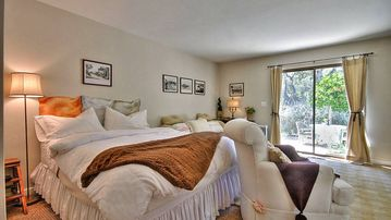 Carmel-By-The-Sea STUDIO Rental Picture