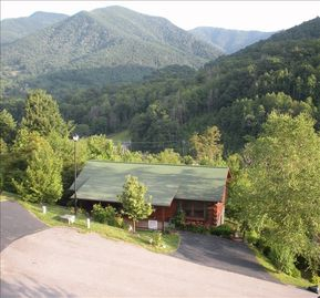Maggie Valley cabin rental - Two Level Log Home tucked away in the Heart of the Smokey Mountains. What a View