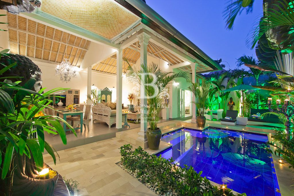 Luxury award winning bali villas close to vrbo for Luxury places to stay in bali