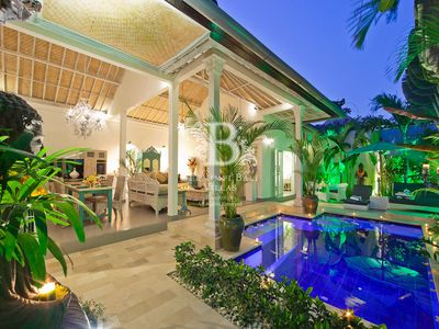 2014 AWARD WINNING LUXURY BERMIMPI BALI VILLAS IN SEMINYAK BEACH LOCATION