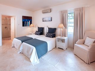 Sandy Lane villa photo - Bedroom suite with twin beds at Vistamar Villa in Sandy Lane, Barbados